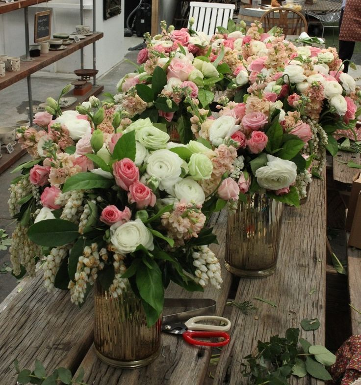Check out upcoming flower workshop schedules 2017.  #sydneyflowerworkshop