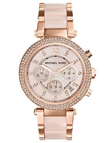 Yo divierto mirar esta reloj. El reloj es muy bonito.