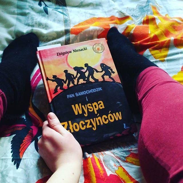 Tegoroczne walentynki spędzał z miłością mojego życia - Panem Samochodzikiem  #book #bookoholic #ksiazka #ksiazkoholik #walentynki #love #valentinesday #blogger