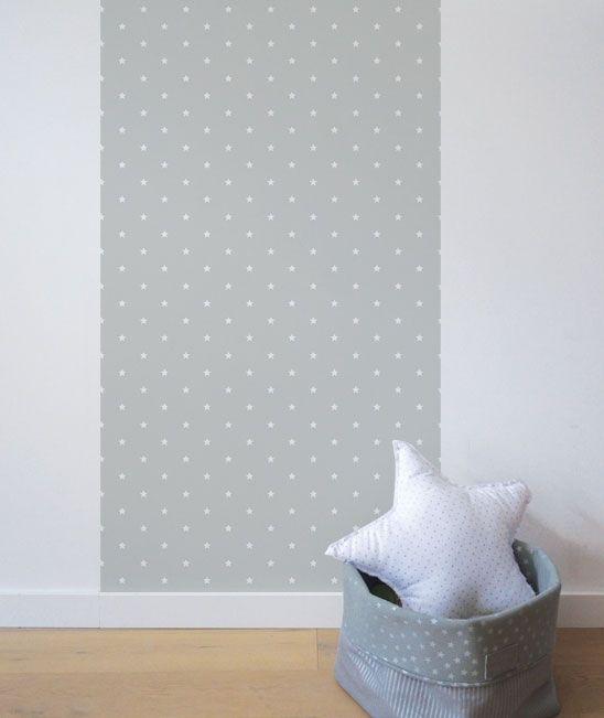 Lé de papier peint intissé. Un papier peint tendance, solide et facile à poser. Idéal pour apporter une touche originale à la décoration de la chambre.Un lé mesure 50 cm de large par 2.5 m de long.Tous les papiers sont parfaitement coupés sur les bordures.Utilisable en lé unique ou lés multiples pour habiller un pan de mur.De légères différences de couleurs peuvent survenir entre les échantillons et les stocks.Qu'est-ce que du papier peint intissé, comment le poser