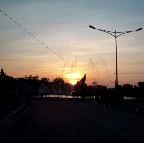 Capturing the wonderful sunset, on my silent road.