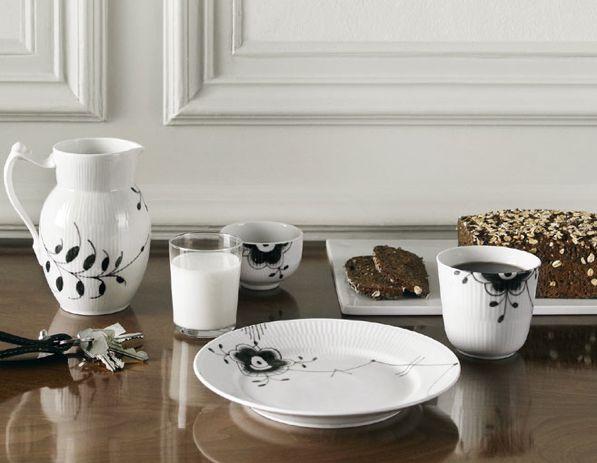 Hviit // Love your style, love your home: Royal Copenhagen – Black Fluted Mega