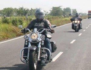 BUAT pencinta motor besar khususnya Harley Davidson yang minggu ini ada di Bandung, silakan loh  menyaksikan bikerockestra. Para anggota HDCI dan Harley Chapter yang ada di Indonesia bakal kumpul mengadakan Bikerockestra.