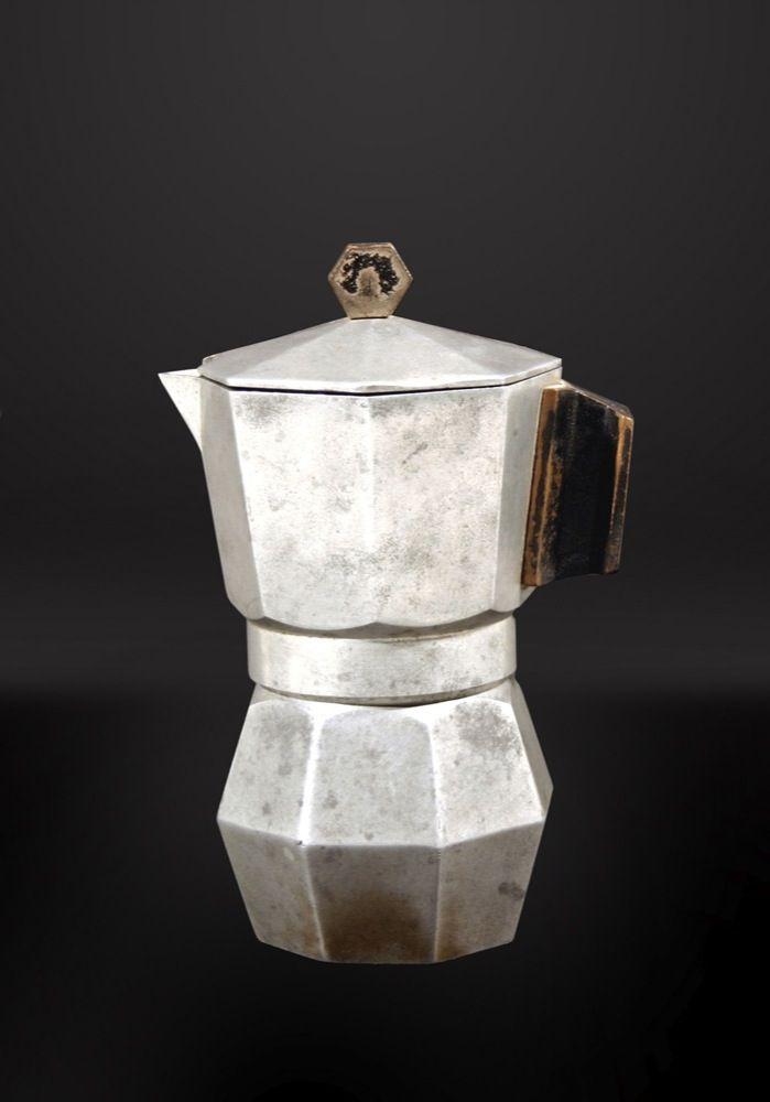 "Design Museum – Coffee maker ""Moka express"" | Abitare En"