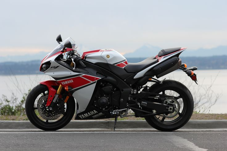 https://flic.kr/p/ebKCss | Yamaha R1 2012 | Yamaha R1 2012 - 50th Anniversary edition