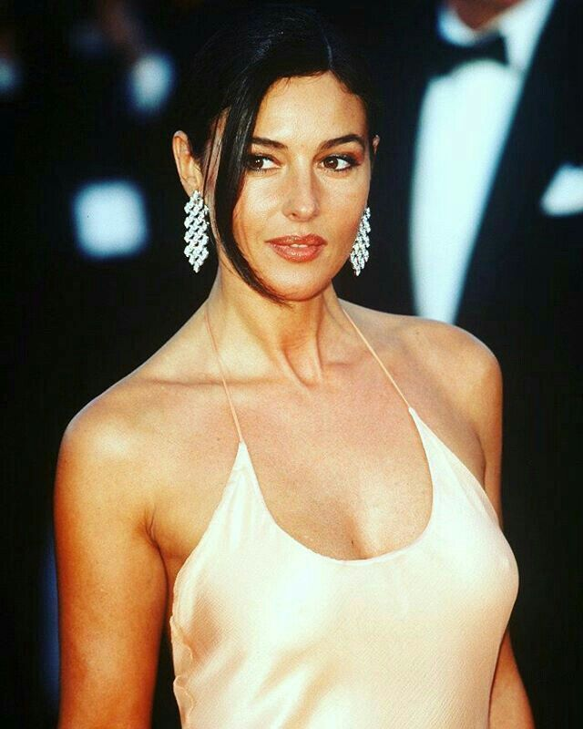 Monica Bellucci .....just  WOOOW