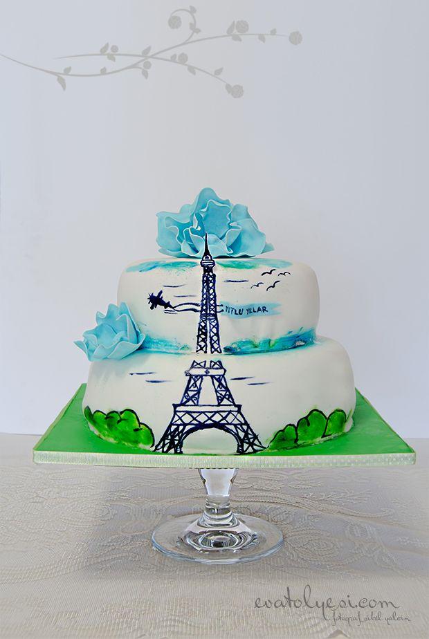 Kızımın doğum günü bu yıl biraz gecikmeli olarak kutlandı:) Onun için geçen yıl Baykuştemalı bir pasta hazırlamıştım bu yıl da onun isteği üzerine internette görüp beğendiği pastanın aynısı yaptım:) Bu yılın teması Eyfel Kulesi sizlerle de bu güzel günün masasını paylaşmak istedim:)Not: Kavuniçi