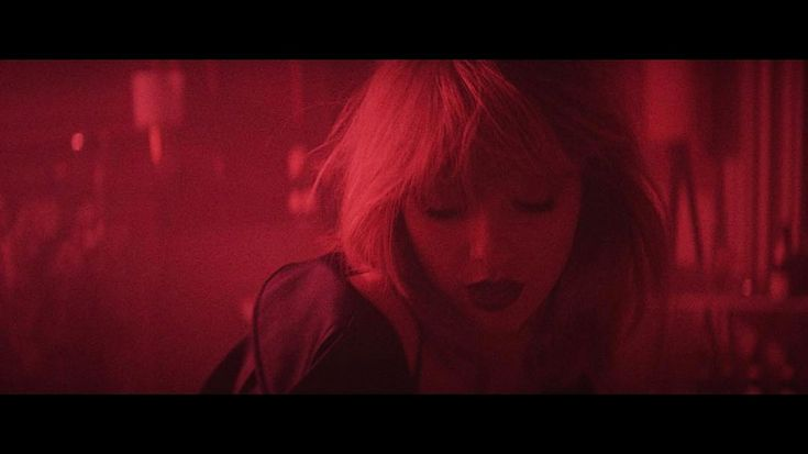 Taylor Swift's I Don't Wanna Live Forever Lips Make Us Want to Live Forever | E! News