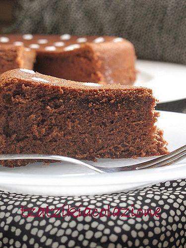torta soffice di cioccolato e albumi