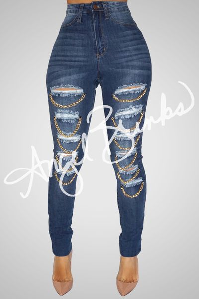 These fabulous jeans are made to hug your body perfectly! They are 60% cotton, 18% rayon, 21% polyester, 1% spandex with an inseam of 31-32 they have a good stretch.