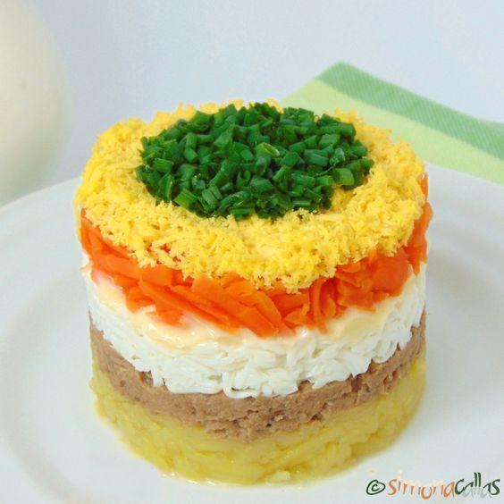 Salata Mimoza e un preparat festiv, atât prin compoziţie cât şi prin design. Ingredientul de bază este peştele oceanic, de obicei conservat sau marinat...