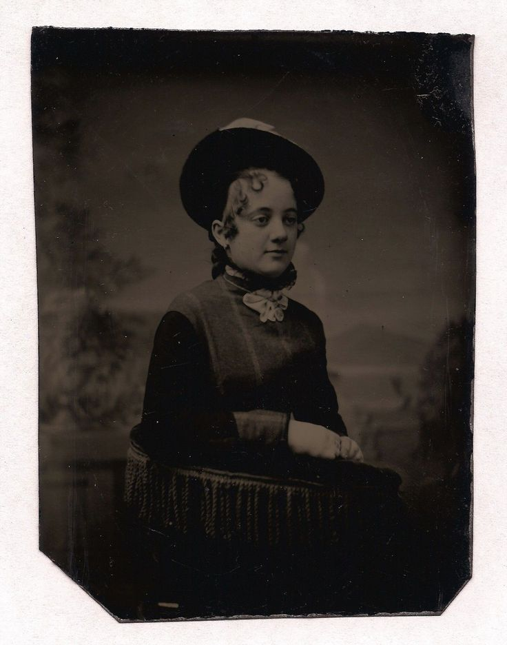 OLD VINTAGE ANTIQUE TINTYPE PHOTO BEAUTIFUL YOUNG LADY TEEN GIRL w/ LOVELY SMILE | eBay