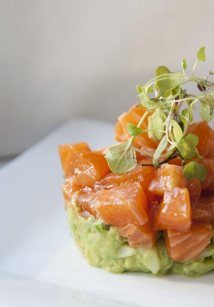 ceviche salmon with avocado
