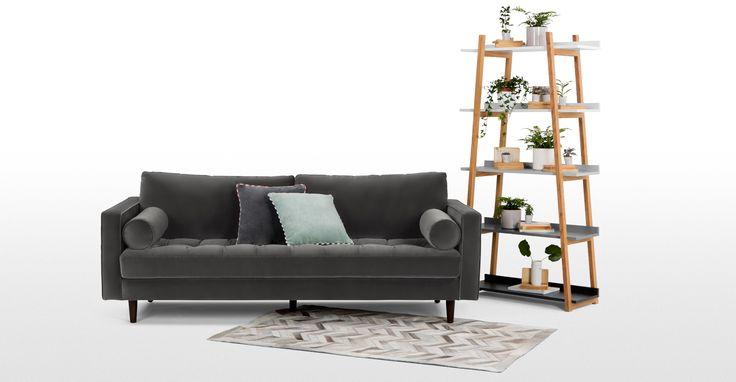 Organisez votre intérieur grâce à l'étagère en bois de haute qualité de la collection Darcey.