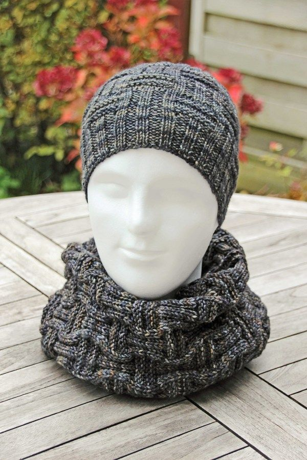 Strick jetzt gleich eine schöne Männer-Mütze // Boyfriend-Mütze in Einheitsgröße mit einem tollen Muster. Diese Anleitung brauchst Du unbedingt. Leg los.