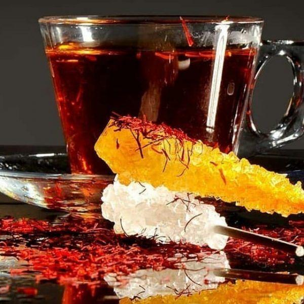 چای زعفران طرز تهیه چای زعفرانی خواص و مضرات نحوه دم کردن انواع چایی زعفران Saffron Tea Saffron Spice Saffron Recipes
