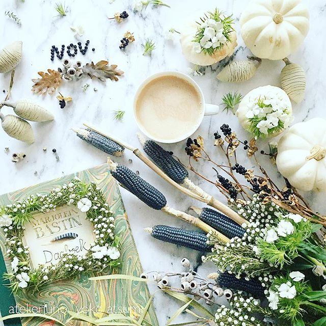 Nov.1.2016 ・ ・ ・ Hello November♡ ・ ・ 今日は11月1日 紅茶の日☕️なんですよ♡ 明日から寒くなるようですから 抗菌作用もある紅茶をいただいて 皆さん風邪などお召しになりませんように〜〜♡ ・ ・ マロリン バスティンさんの美しい スケッチブック。 中には動植物の繊細なスケッチ満載の 素晴らしい本です✨ でも表紙のグリーンや帯がとても 美しくてお気に入り✨ ・ ・ ・ ・ ・ #click_dynamic #click_vision #nothingisordinary_ #snap_ish #stilllife_archive #shutter_memory #myeverydaymagic #tv_community #mystory_shots #tv_neatly #teaonly #inspiredbynature #adoremycupofcoffe #adoremycupoftea #caughtflowerhanded #flowerstagram #花のある暮らし #花のある生活 #fallflowers…