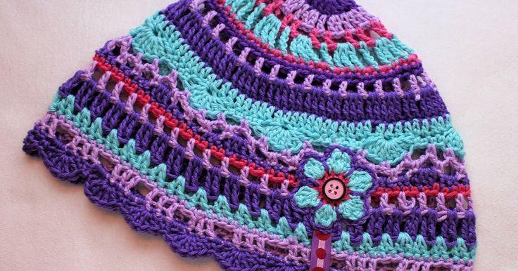 Da hab ich nochmal schnell eine Frühjahrsmütze für Sophia gemacht. Passend zu ihrem pinken Halstuch und ihrer lila Jacke. Das ebook dazu gib...