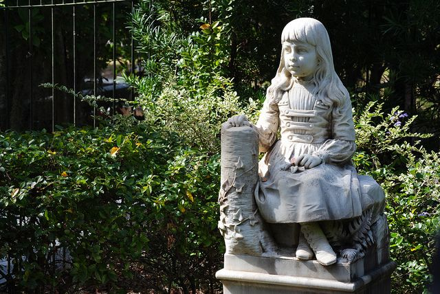 10 MORE of the World's Most Fascinating Cemeteries | BootsnAll