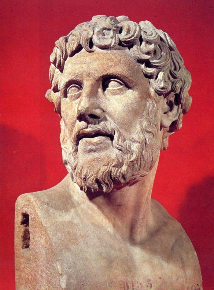 """Demócrito fue un filósofo griego presocrático y matemático que vivió entre los siglos V-IV a. C. discípulo de Leucipo. Se le llama también """"el filósofo que ríe""""."""