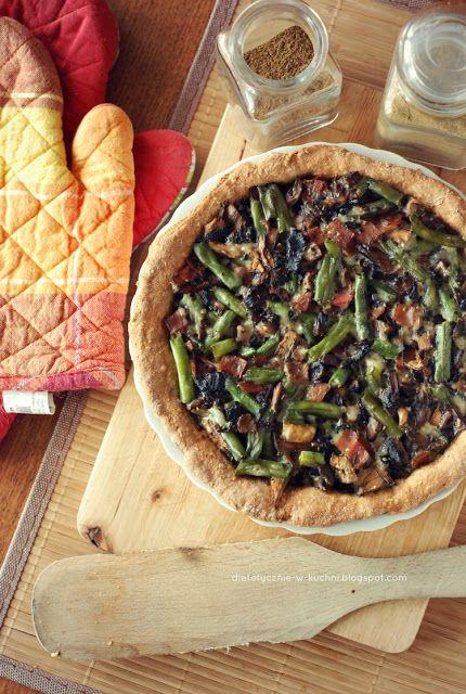 Pełnoziarnista tarta z pieczarkami i zieloną fasolką