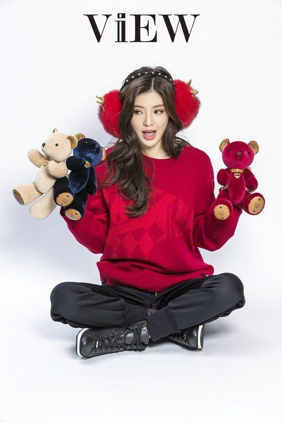Lee Sun Bin is adorable in a Christmas look with 'MCM'! | allkpop.com