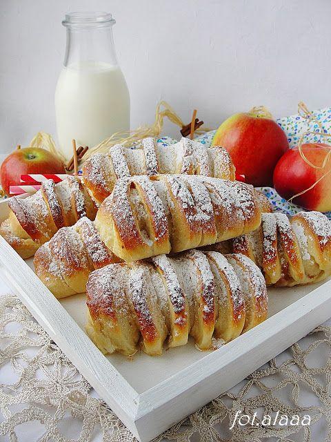 Ala piecze i gotuje: Drożdżówki z jabłkami