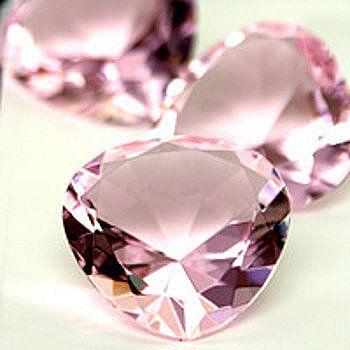 Google Afbeeldingen resultaat voor http://www.eskaejeweller.com.au/blog/wp-content/uploads/2011/04/pink-diamonds-crystal-shine.jpg