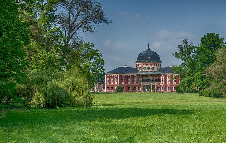 zamek / castle Veltrusy