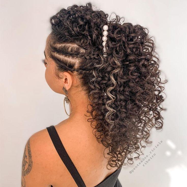 Penteados para cabelo em transição: 30 fotos e algumas dicas incríveis | Penteados, Cabelo penteado, Penteado de noiva para cabelo cacheado