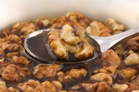 Засахаренные грецкие орехи с медом