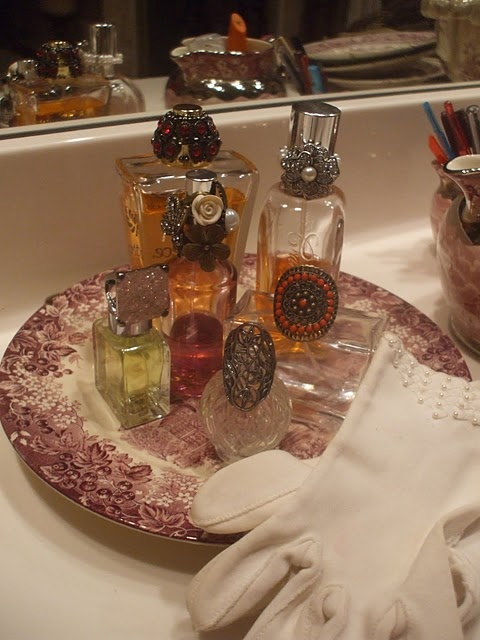 Nancy's Daily Dish: Everyday Storage Solutions with English Transfer Ware: Jewelry Holder