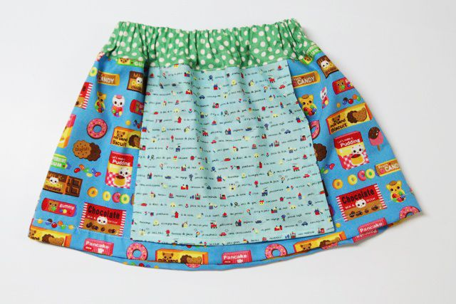 Apron skirt tutorial from Lil Blue Boo with a wonderful apron skirt measurement guide.  Makes the cutting out so easy!