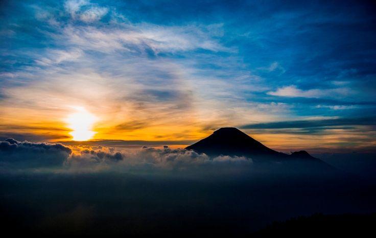 Menilik Matahari Terbit Terindah Di Indonesia   PiknikDong