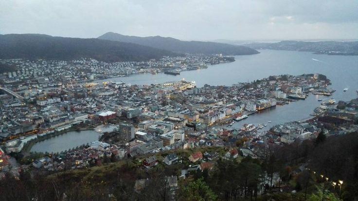 Cristina - wanderlust: På toppen av Bergen
