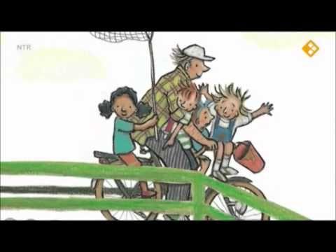 Met opa op de fiets (digitaal prentenboek) Als opa gaat fietsen met zijn kleindochters Gitte en Isa, komen ze langs vier andere kleinkinderen die ook mee willen. Kunnen opa en de fiets dat wel aan?