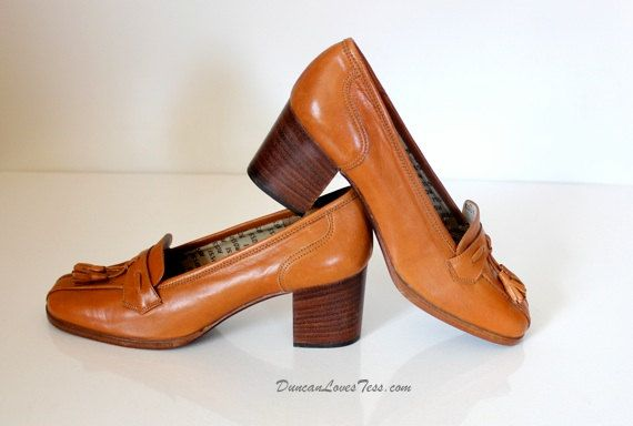 Vintage 70s Shoes / Tassel Loafers / Leather by DuncanLovesTess, $68.00