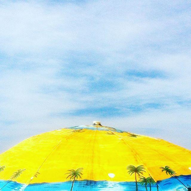 Minimal shoot in Rio de Janeiro Beach shoot By @laciudadalinsta ❤️