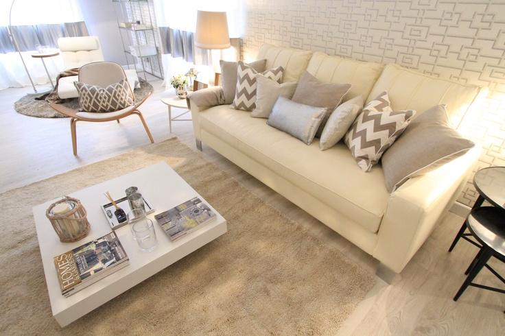 design chair, grey walls, white, vintage design furniture, white sofa, geometric wallpaper