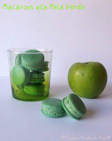 Ricordate la marmellata di mele verdi di cui vi ho parlato nel post precedente, che mi sarebbe servita per farcire dei macarons particolari...