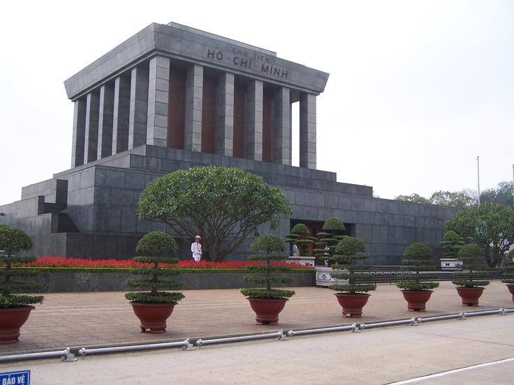 Ho-Chi-Mihn mausoleum, Hanoi