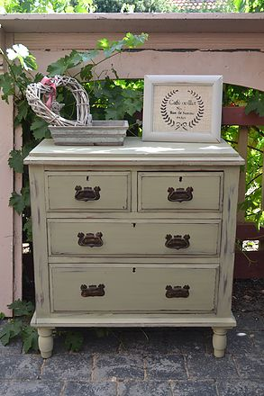 Rustic Drawers in Annie Sloan Chalk Paint  #BarleycornVintageStencils  #AnnieSloanChalkPaint #PaintingWithStencils