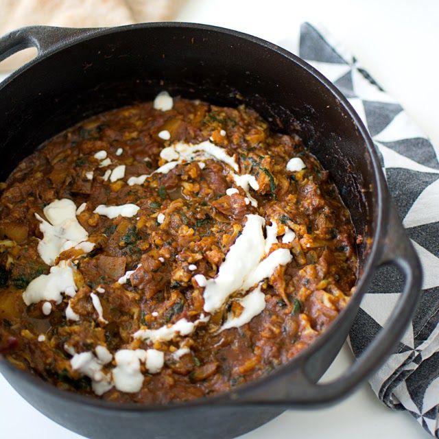 Nyttig vegetarisk gryta med indiska smaker. Billigt, Paleo, GI och gott!