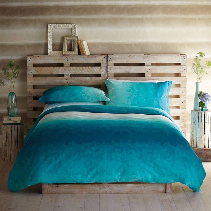 Bedroom : The Charming Rustic Bedroom Style Designed With Turquoise Bed Linen Plus Two Pillows Together With Glass Flower Vase In Conjunction With Natural Wood Flooring Designing The Comfortable Bed Linens Double Bed. Spray. Toddler Bed. #DoubleBedSheets