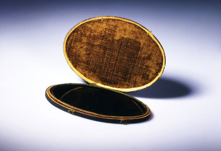 A Claude glass from around 1775.  The Claude glass was a convex, tinted mirror designed to soften and frame landscapes. It was named for the French artist Claude Lorrain, whose paintings have a beatific glow reminiscent of a heavy-handed Instagram filter. This tool was part of an aesthetic movement that changed British travel in the late 18th century.
