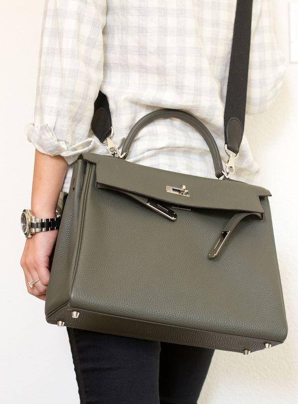 b0881d0952 2008 : Le sac Kelly est orné d'une ...
