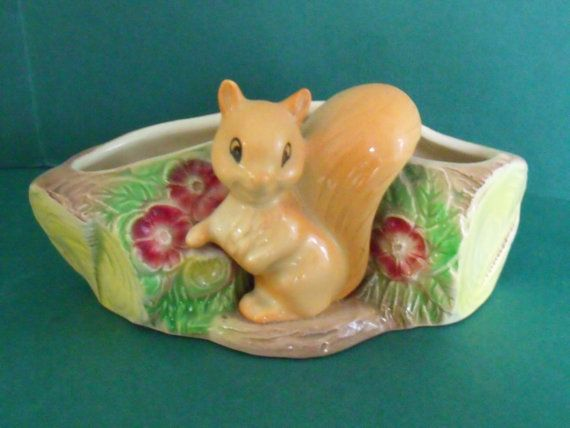 Lovely Hornsea pottery fauna royal little squirrel by log posy bowl. circa 1940's / 1950's