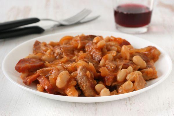 Fazuľový perkelt - Recept pre každého kuchára, množstvo receptov pre pečenie a varenie. Recepty pre chutný život. Slovenské jedlá a medzinárodná kuchyňa