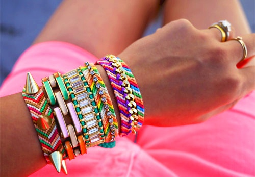 Neons <3: Arm Candy, Style, Diy Jewelry, Diy Bracelets, Pastel Colors, Fashion Bloggers, Embellishments Friendship, Friendship Bracelets, Arm Parties