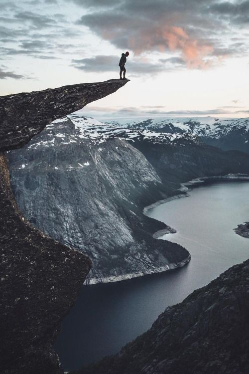 Live life on the edge. (Photo via Hannes Becker)